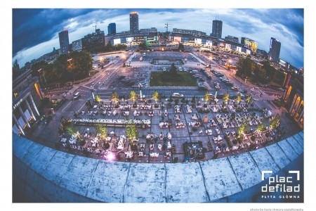 Plac Defilad. Foto Kasia Chmura.